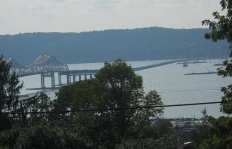 Tarrytown: partial view of bridge, river and familiar floating machinery/© J Rosman 2013