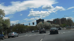 Eastbound on Route 119 in White Plains. Left is the Bronx River Parkway; right is Central Avenue, proposed for BRT