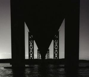 Tappan Zee Bridge silhouette/© Joseph Squillante, 2003