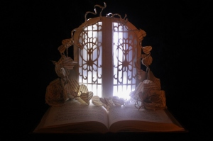 The Faerie Door with LED Lights/Jodi Harvey-Brown