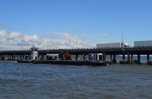 Barge near Rockland side of TZ Bridge/© Janie Rosman 2014