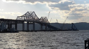 Crane clears the Tappan Zee Bridge/© Janie Rosman 2014