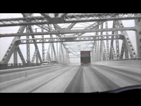 Trucking through a snowstorm on the Tappan Zee Bridge (not the same day) /© Wn.com