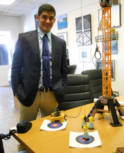 Outreach Specialist Ishmael Mejia overseeing the Tower Crane Challenge/© Janie Rosman 2015