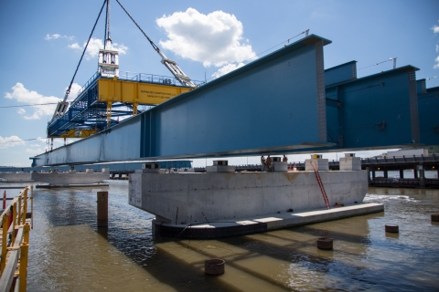 First steel girder assembly for Rockland-bound span placed near Rockland landing/NYSTA
