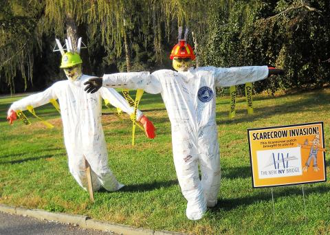 Met these cheerful fellows while driving through Lyndhurst's grounds / © J Rosman 2015
