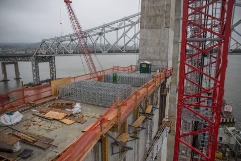 Close-up of a main span crossbeam installed last month and reinforcing steel cages/NYSTA