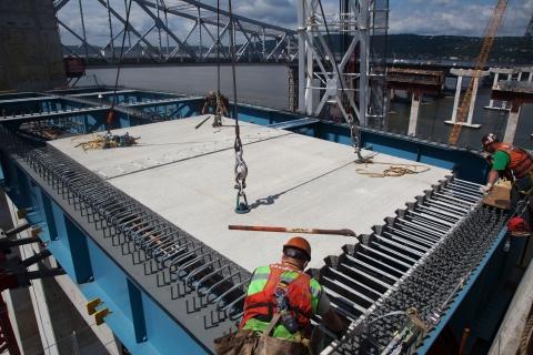 main span road deck