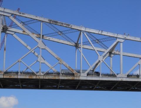main-span