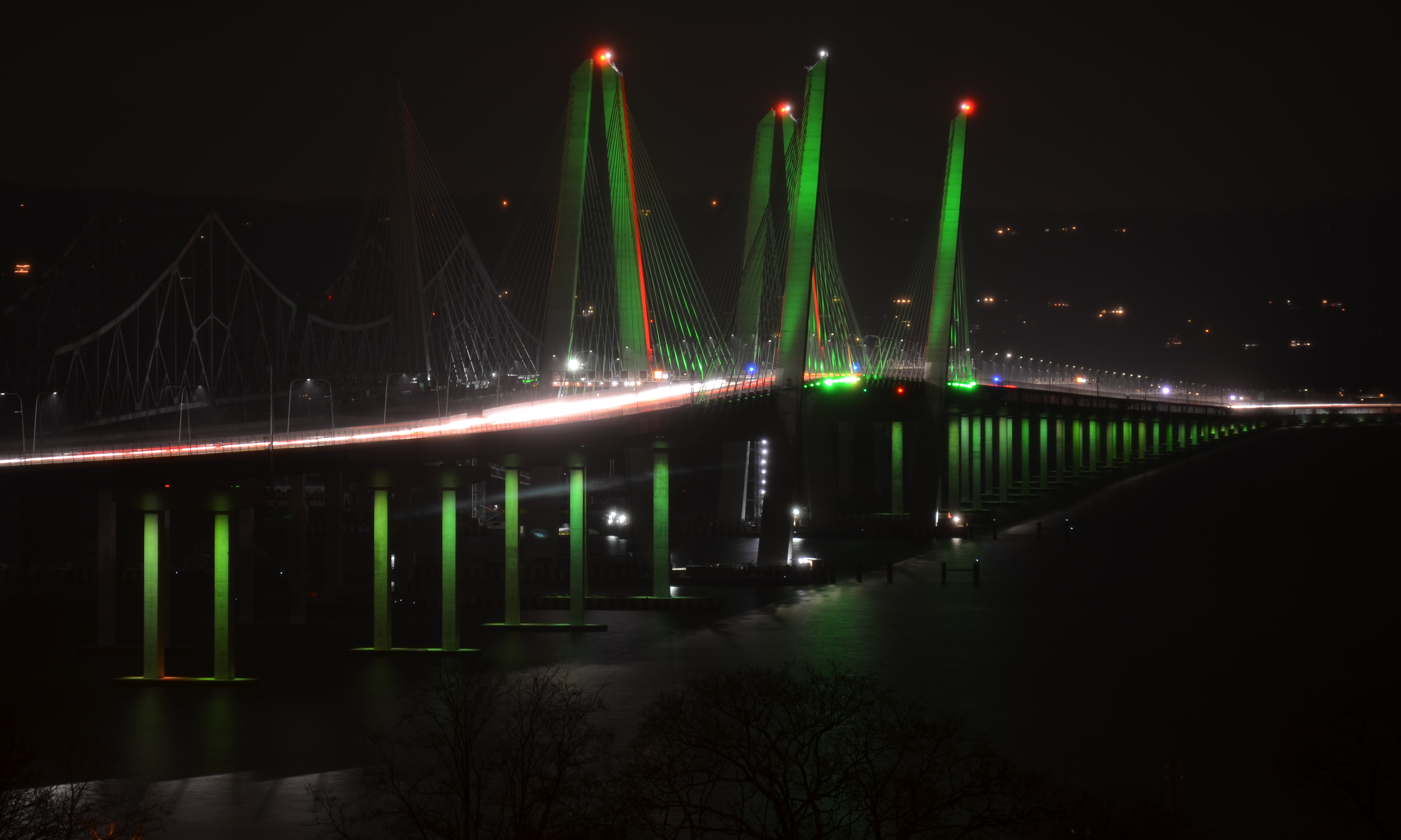 Christmas Colors in New Bridge's Light Scheme | Kaleidoscope Eyes